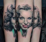 Женская портретная татуировка от Рича Пинеды Смотрите работы мастера - http://funtattoo.ru/?p=8499